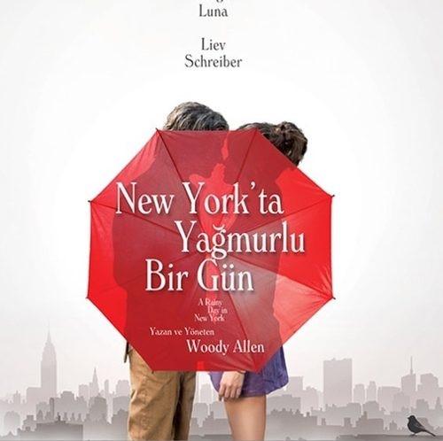 NEW YORK 'ta Yağmurlu Bir Gün