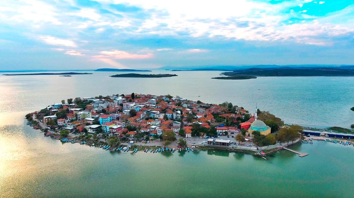 Küçük Bir Balıkçı Köyü 'Gölyazı'